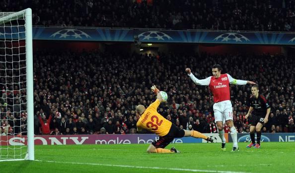 Arsenal's Dutch striker Robin Van Persie