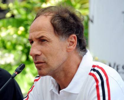 Italian football legend Franco Baresi, r