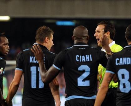 Video - Ecco lo splendido gesto di fair play di Klose in ...