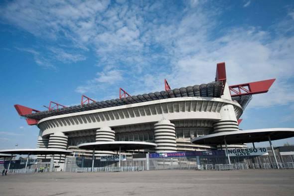 Bellinazzo il nuovo stadio del milan non sar pronto - Cosa si puo portare allo stadio san siro ...