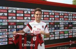 Giacomo Bonaventura (acmilan.com)