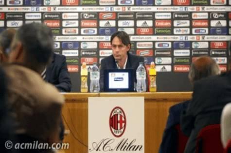 Filippo Inzaghi in conferenza stampa (acmilan.com)