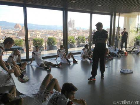 Milan stretching