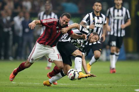 Pazzini vs Marchisio (Getty Images)