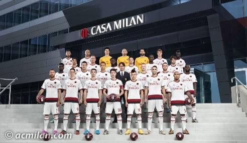 La squadra a Casa Milan (acmilan.com)