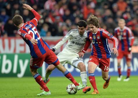 Thomas Muller, Alan Dzagoev & Gianluca Gaudino (Getty Images)