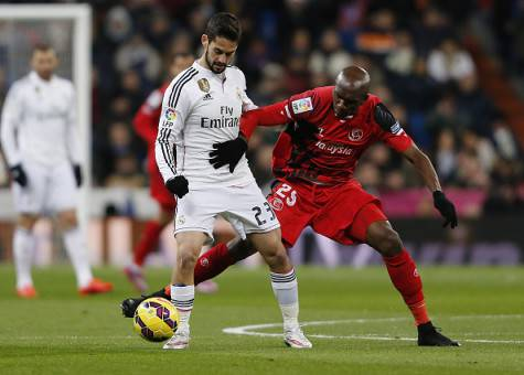 Stephane Mbia e Isco (Getty Images)