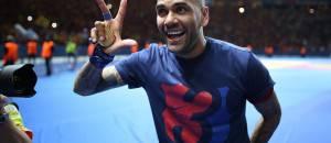 Dani Alves alla festa triplete (getty images)