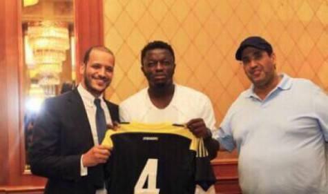 Sulley Muntari con la maglia dell'Al-Ittihad (ghanasoccernet.com)