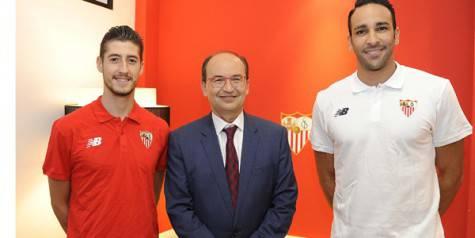Sergio Escudero, Josè Castro e Adil Rami (sevillafc.es)