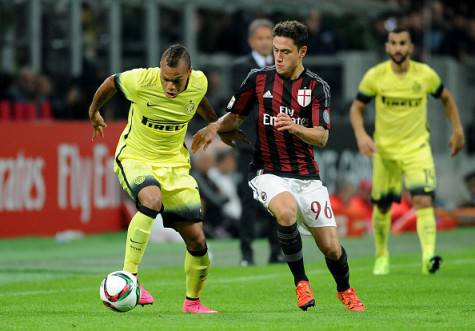 Davide Calabria vs Jonathan Biabiany (©Getty Images)