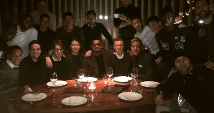 Il Milan a cena (Foto Instagram)