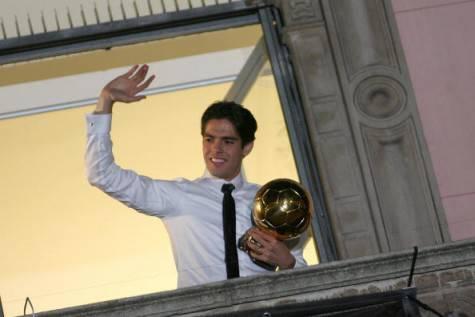 Kakà ed il Pallone d'oro (©getty images)