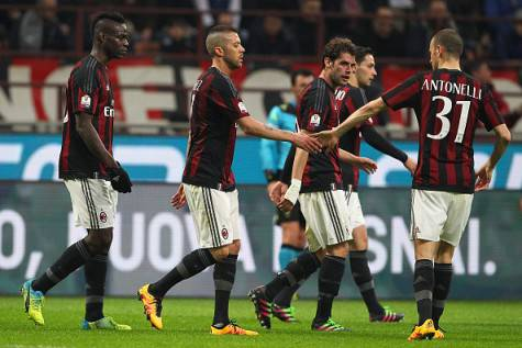 Il Milan esulta dopo un gol (©getty images)