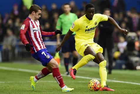 Antoione Griezmann e Eric Bailly (©Getty Images)