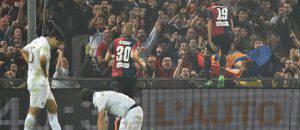 Leonardo Pavoletti esulta contro il Milan (©getty images)