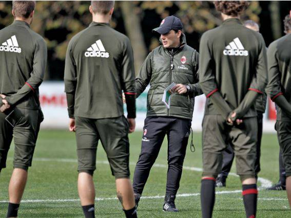 Milan: Darmian in, De Sciglio out