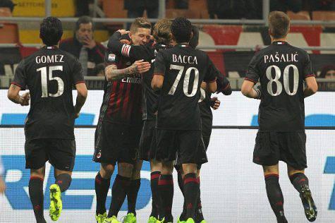 L'esultanza dei rossoneri al gol di Juraj Kucka in Milan-Fiorentina