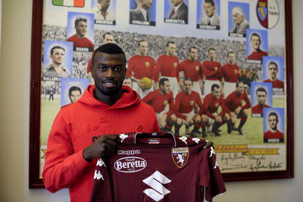Calciomercato Milan, manca l'accordo con il Torino per Niang: cessione a rischio?