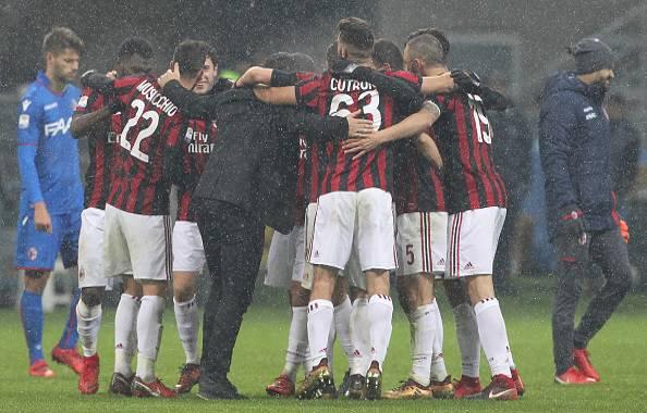 Cagliari-Milan 1-2: la doppietta di Kessie ribalta il gol di Barella