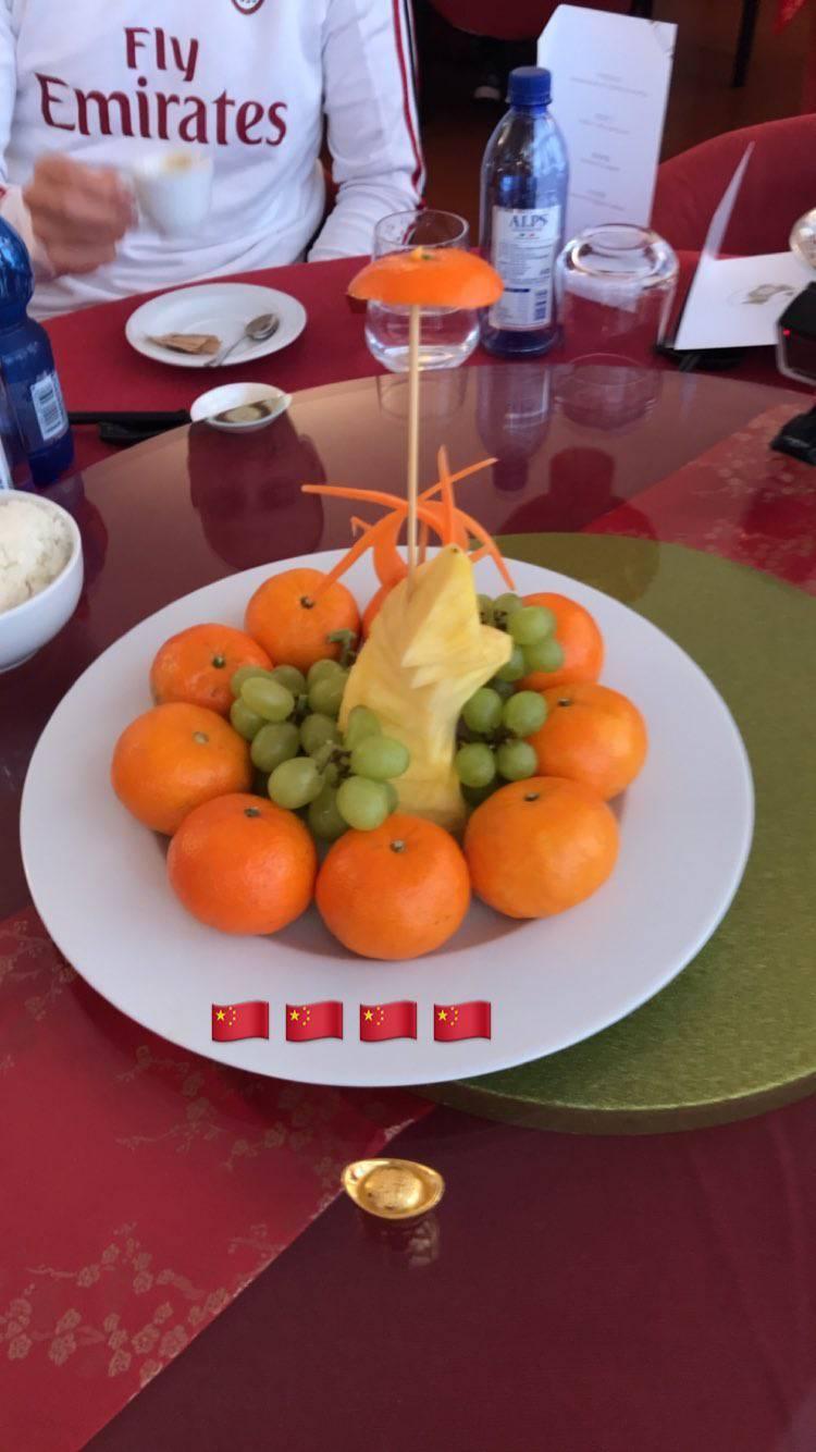 Milanello pranzo cinese per i rossoneri foto e video for Cibo cinese menu