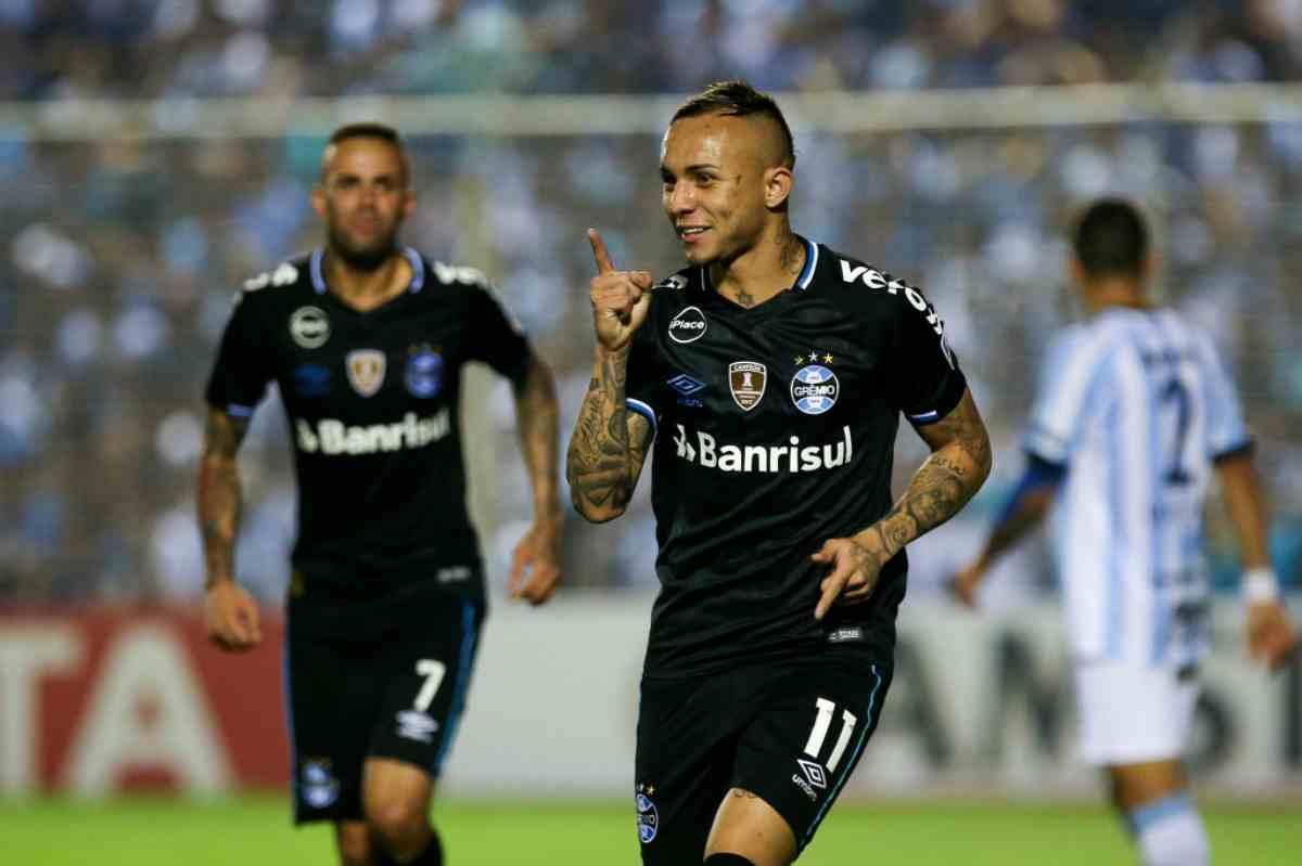 Everton Sousa Soares
