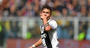 Paulo Dybala esulta in Genoa Juventus