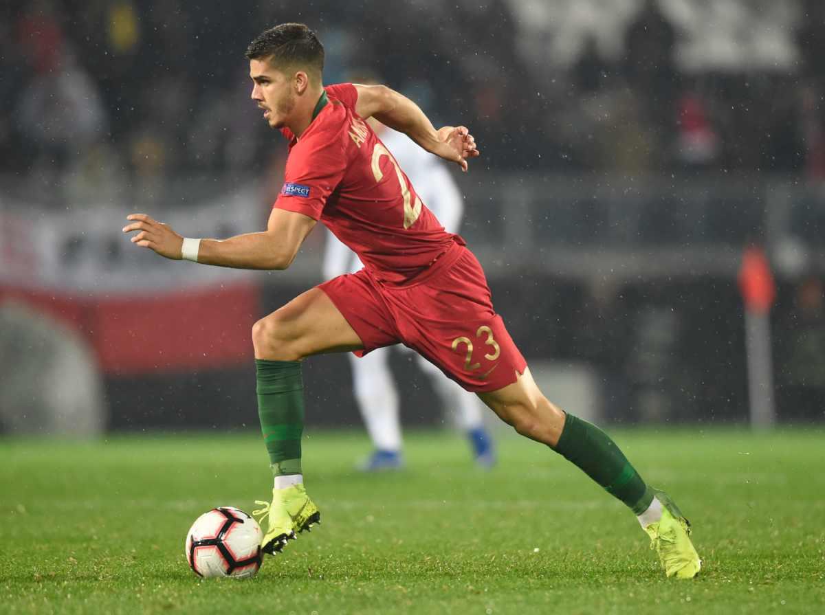 Milan, offerta congrua per Correa ma molto dipende da André Silva