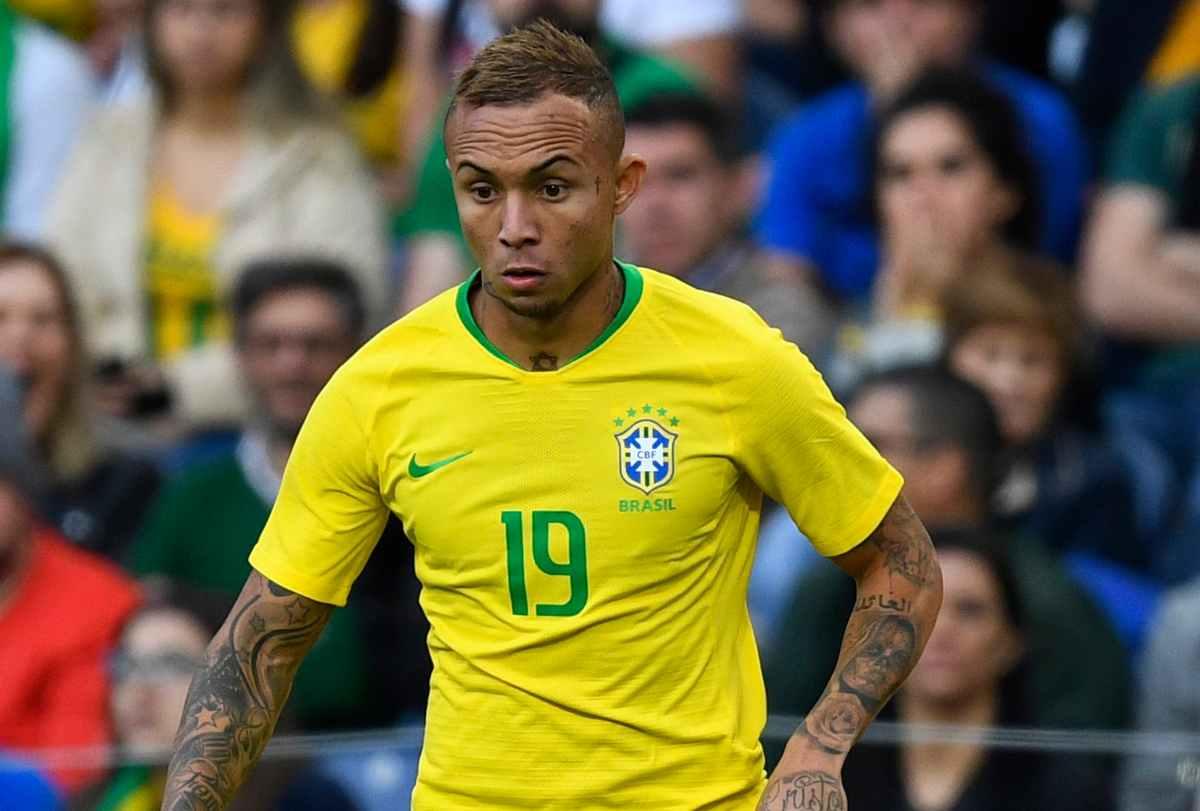 Everton Soares