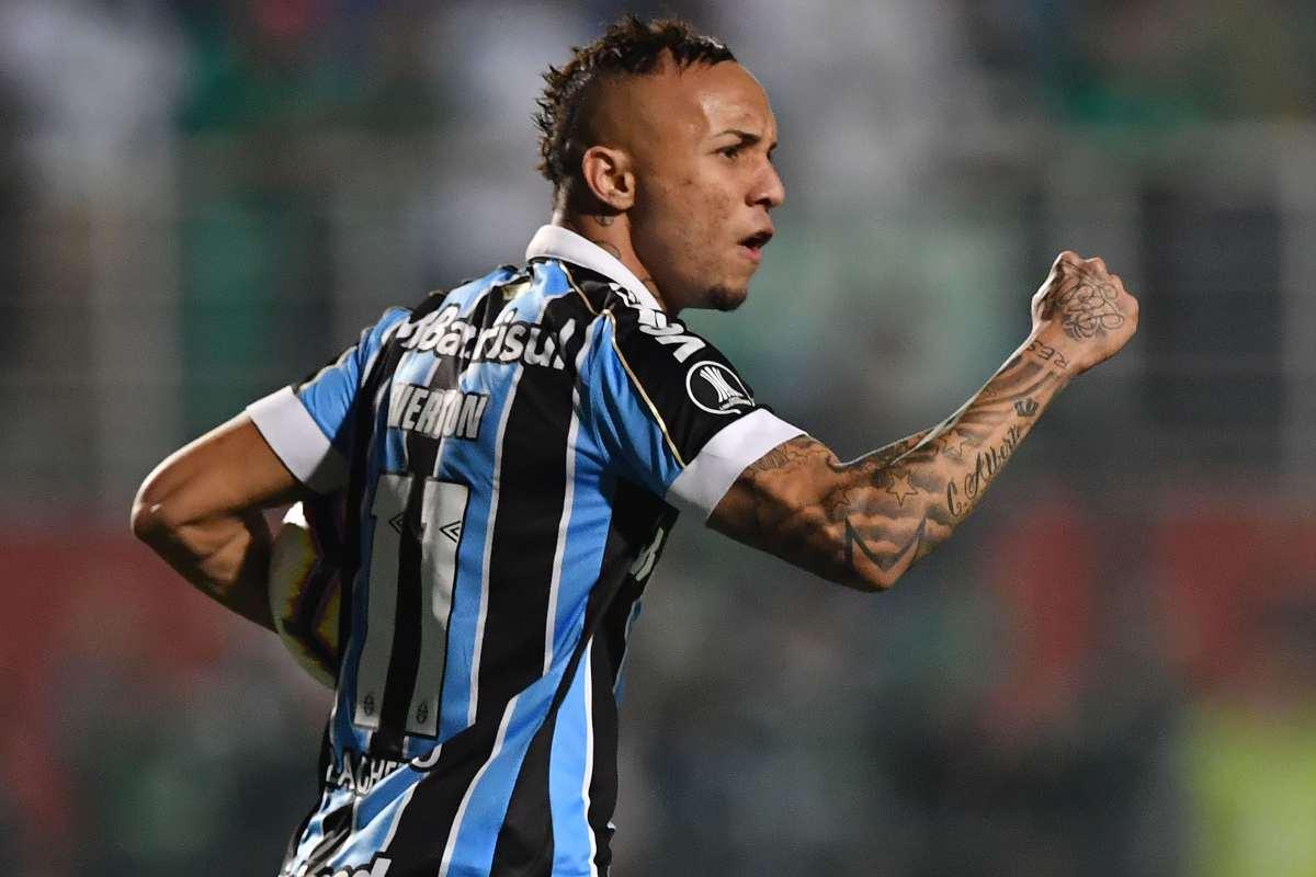 Everton Sousa Soares cebolinha