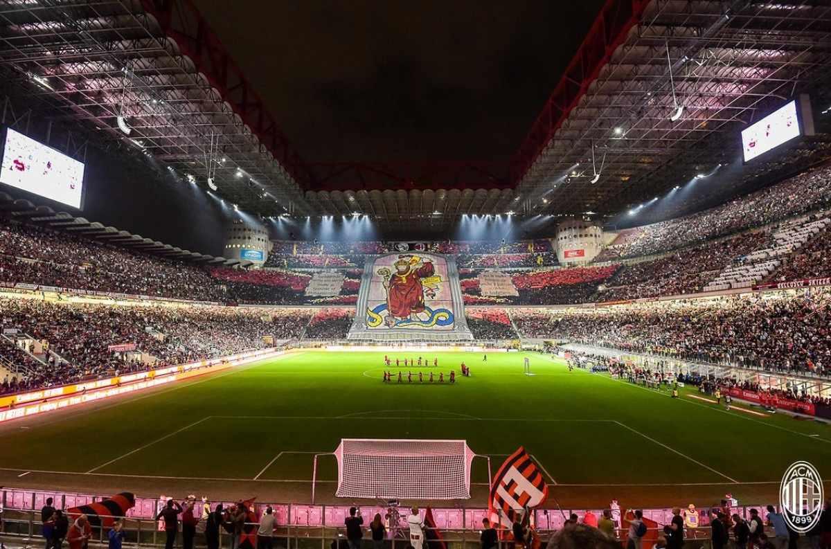 Milan-Inter, che spettacolo a San Siro - FOTO E VIDEO