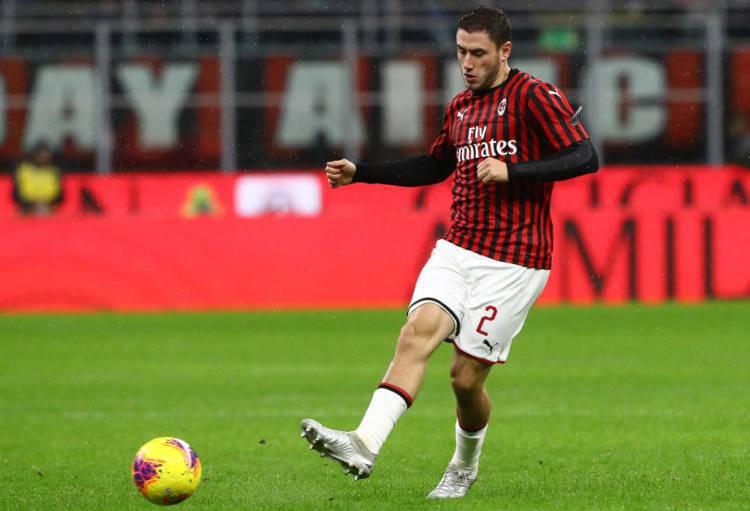 Milan, via Calabria: scambio con la Fiorentina