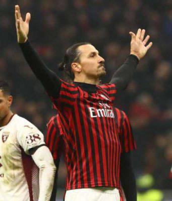 Ibrahimovic re di Fortnite: vince e applaude tre compagni
