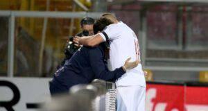 Ante Rebic abbraccio raccattapalle Lecce