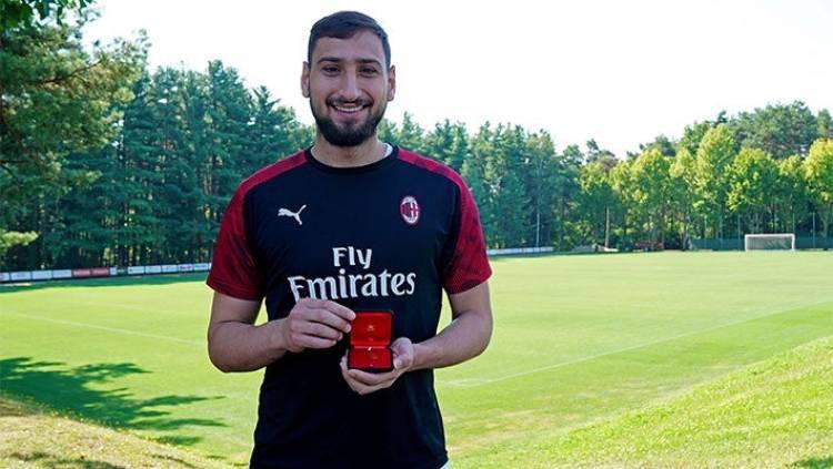 Donnarumma 200 presenze Maldini premia