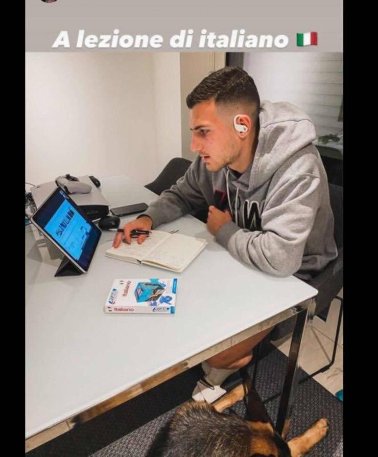 Dalot studia italiano