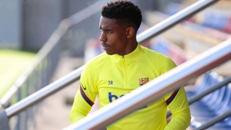Junior Firpo offerta Milan richiesta Barcellona