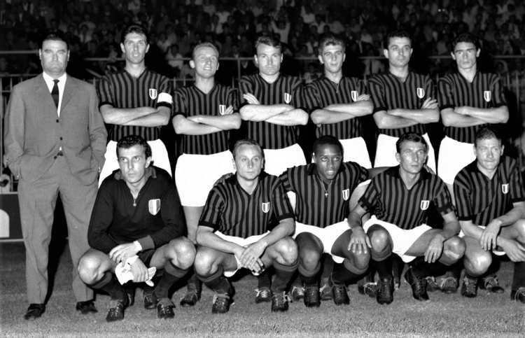 Bonolis punge il Milan: