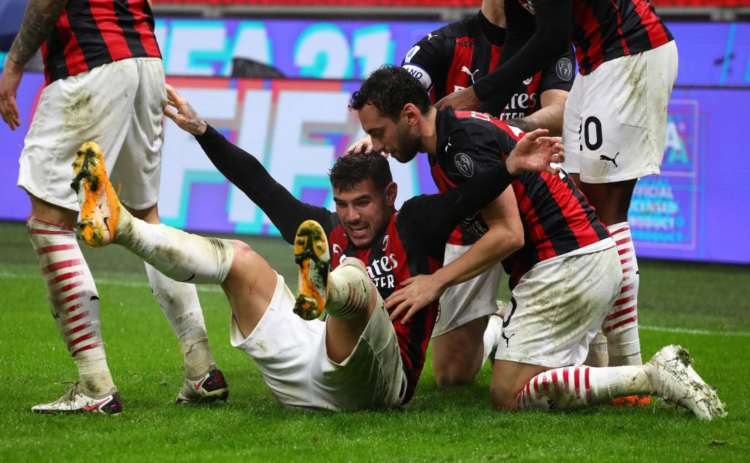 Milan cambia senza Theo e Calhanoglu