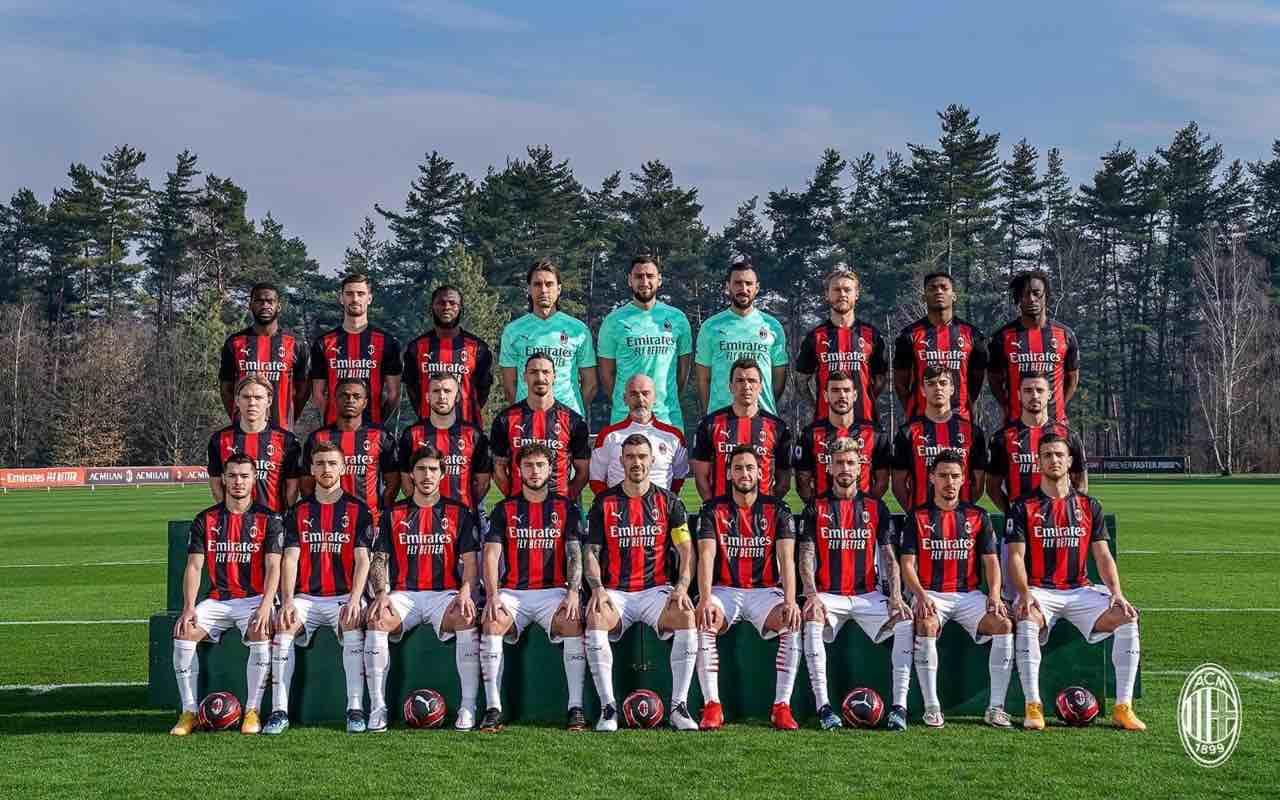 Milan, squadra riunita per la foto di gruppo   VIDEO