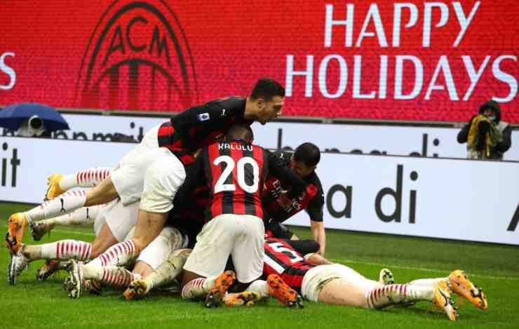 I calciatori del Milan esultano al gol di Hernandez in Milan-Lazio  (© Getty Images)