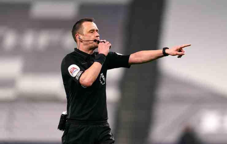 L'arbitro inglese Stuart Attwell (©Getty Images)