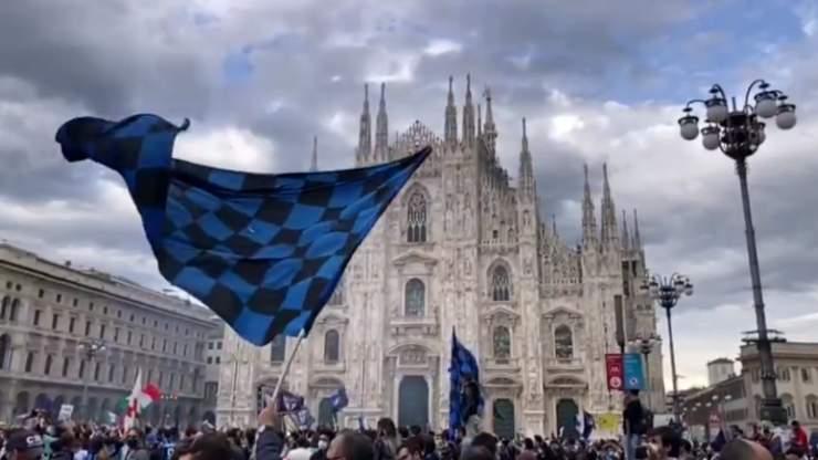 Tifosi Inter Duomo Piazza