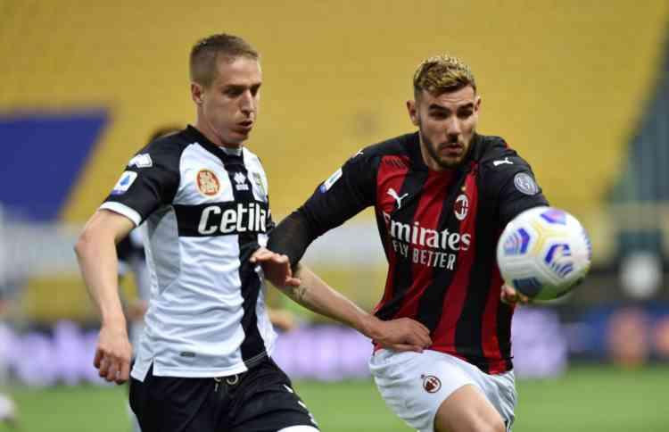 Conti e Theo Hernandez